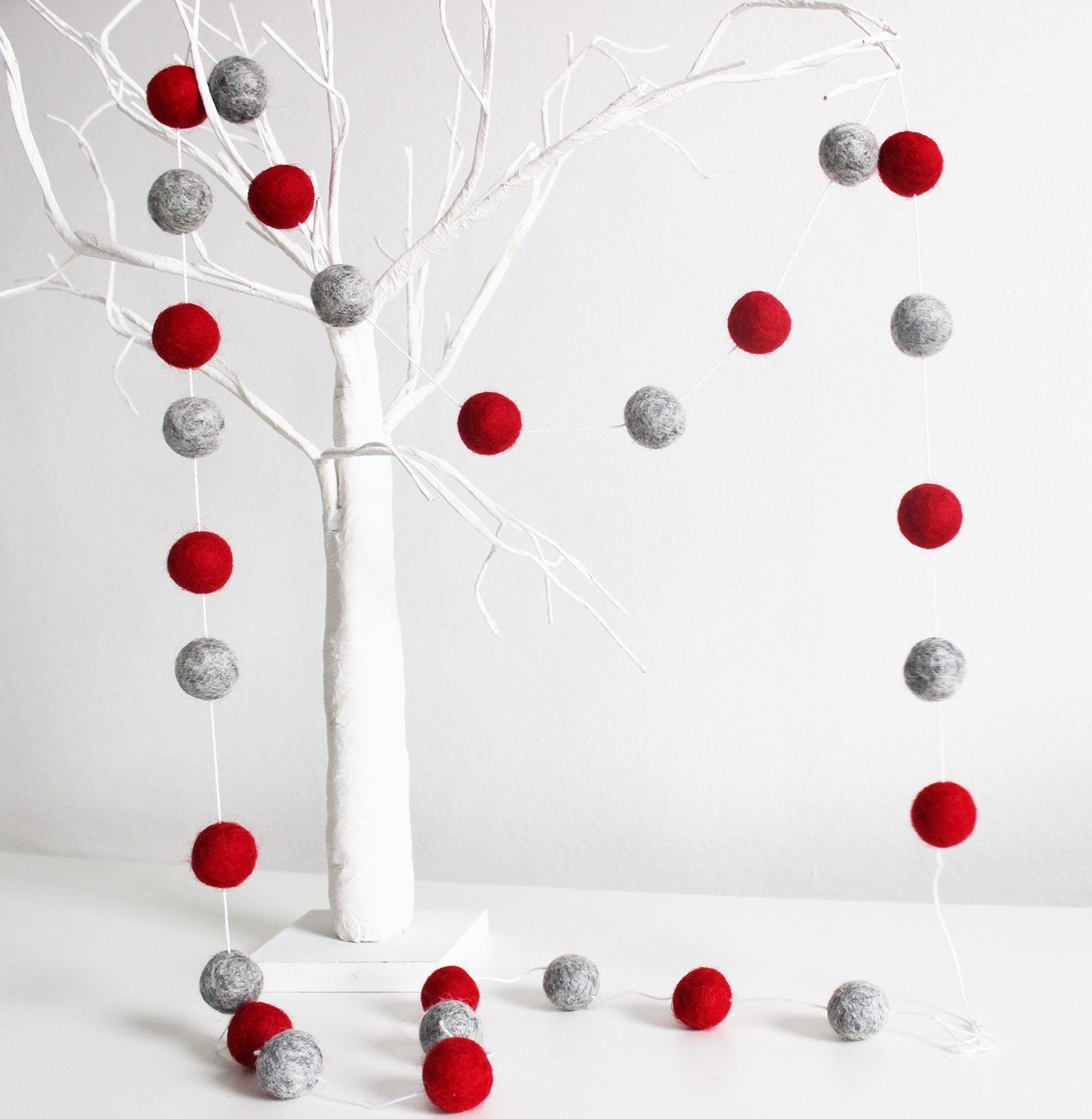 Red And Grey Felt Ball Garland Christmas Felt Ball Garland