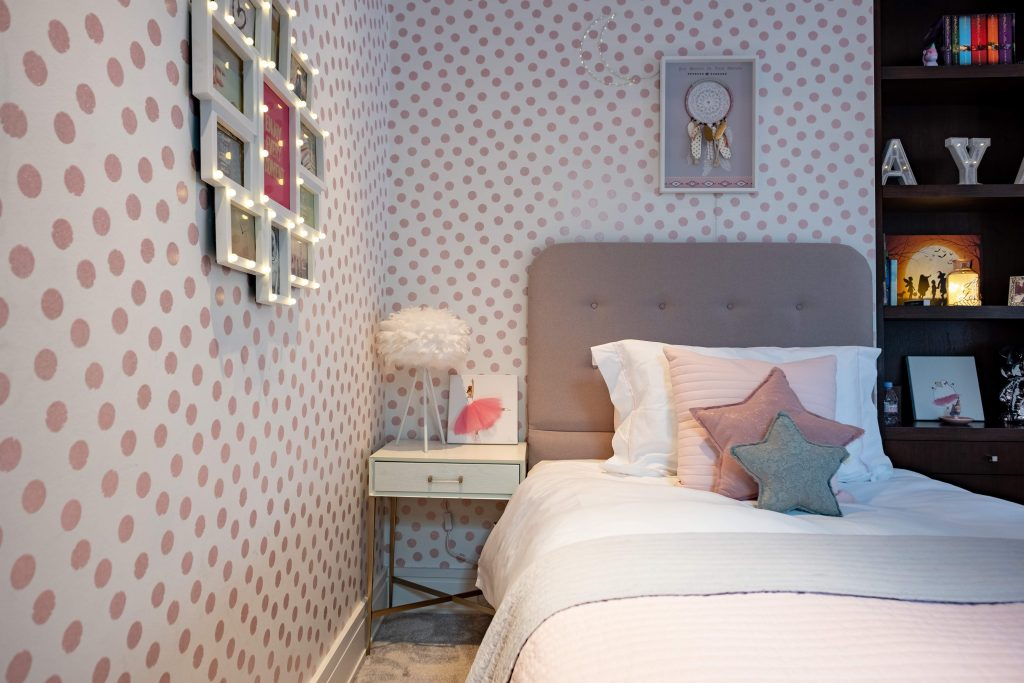 Girls bedroom design ideas, kids interiors, white and pink bedroom