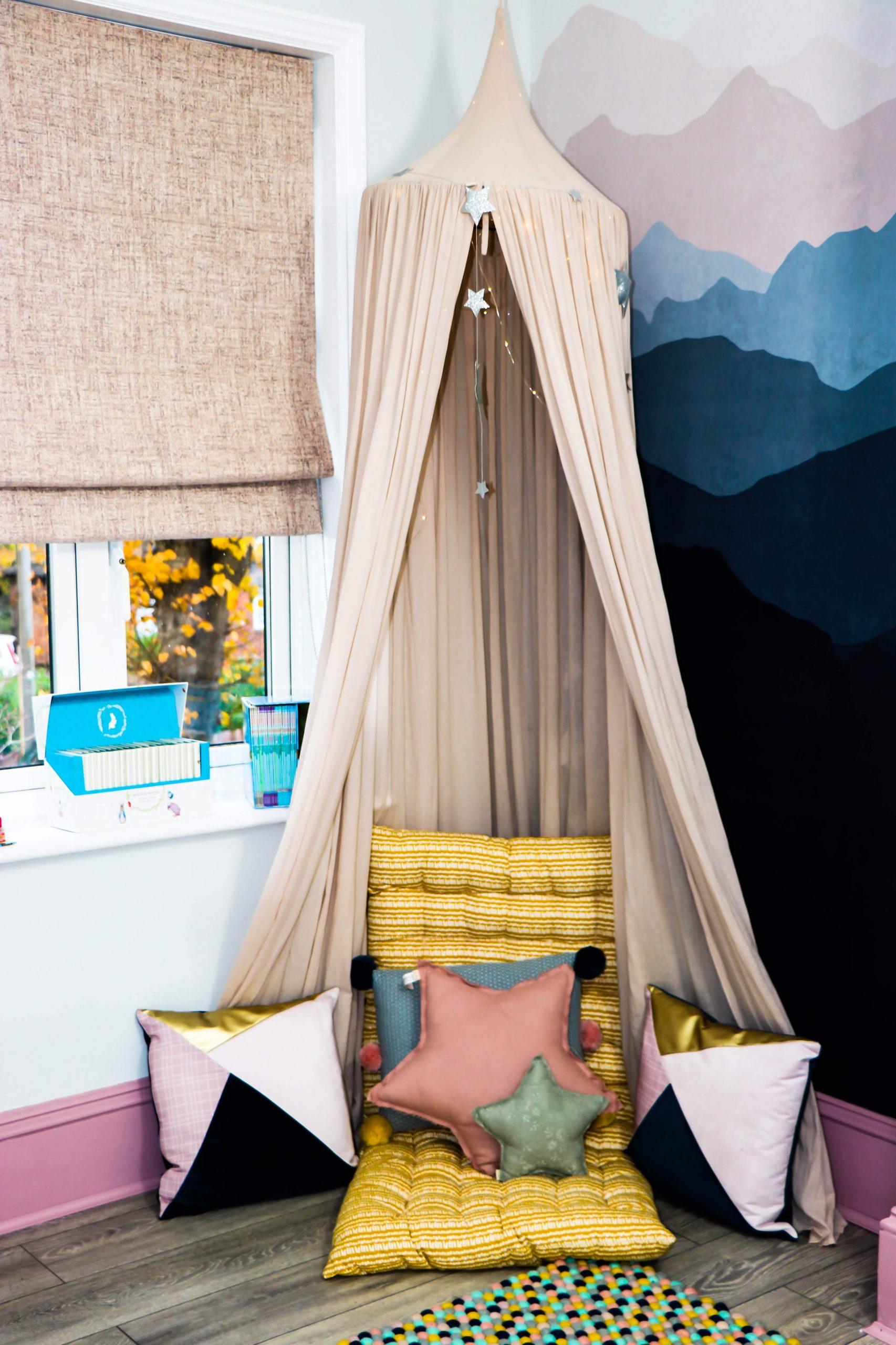 Kids cosy corner- reading nook-book nook-shared bedroom design-unisex bedroom
